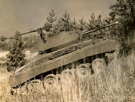 В&nbsp;лёгком танке <nobr>M-24</nobr>&nbsp;Chaffee использовались два мотора Cadillac&nbsp;V8 и&nbsp;коробка передач Hydra-matic.