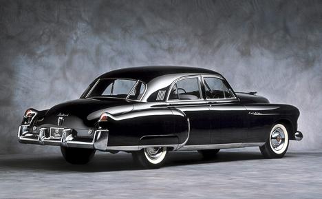 Из&nbsp;плавничков на&nbsp;задних крыльях Кадиллака 60&nbsp;Special со&nbsp;временем вырастут огромные плавники, определившие стиль американских автомобилей конца <nobr>50-х</nobr>.