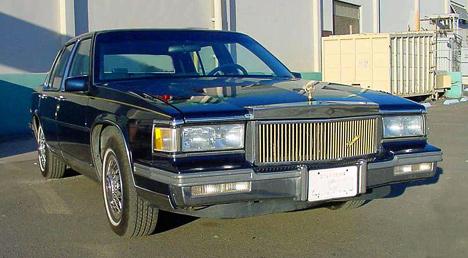 Переднеприводный Sedan DeVille утратил существенную долю былой внушительности.