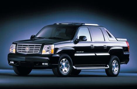 После внедорожников Cadillac приступил квыпуску пикапов EscaladeEXT.