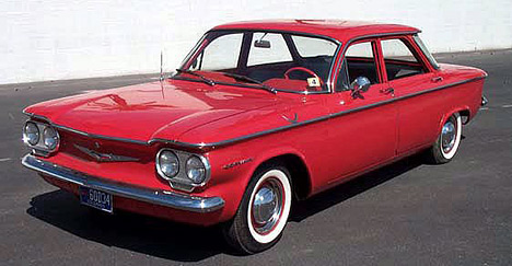 Chevrolet Corvair был интересен нетолько своим внешним видом, ноитехнической начинкой— унего была независимая подвеска всех колёс.