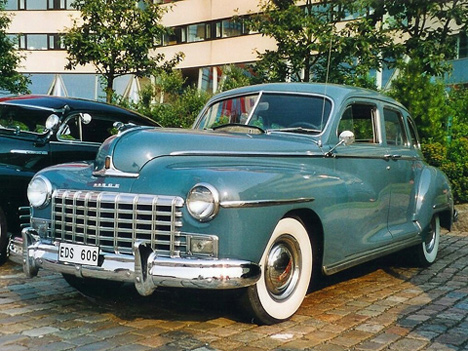Впослевоенные годы Dodge отличался солидным, номаловыразительным дизайном.
