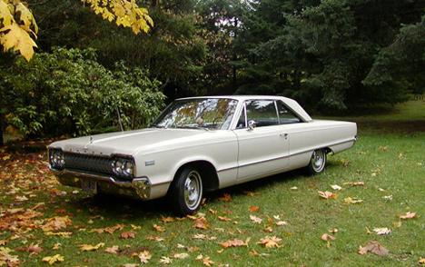 Полноразмерный Dodge нового поколения— Dodge Polara 1965года.