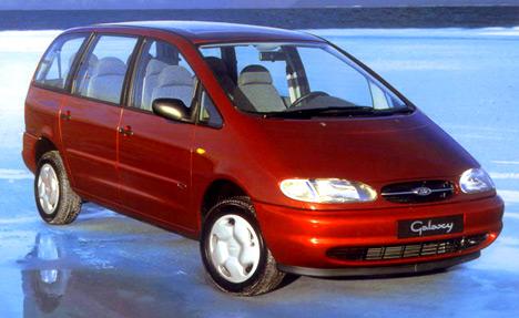 Ford Galaxy построен наодной платформе сVolkswagen Sharan иSeat Alkhambra, даивнешние отличия можно пересчитать попальцам.