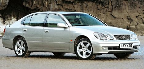 В2000году Lexus GSполучает новый силовой агрегат объёмом 4,3литра.