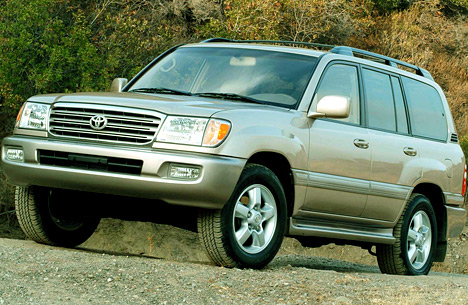 Toyota Land Cruiser 100.